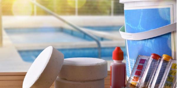 Regeln im Umgang mit Schwimmbadpflegemittel